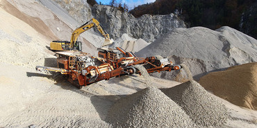R1100S brings more power to the quarry