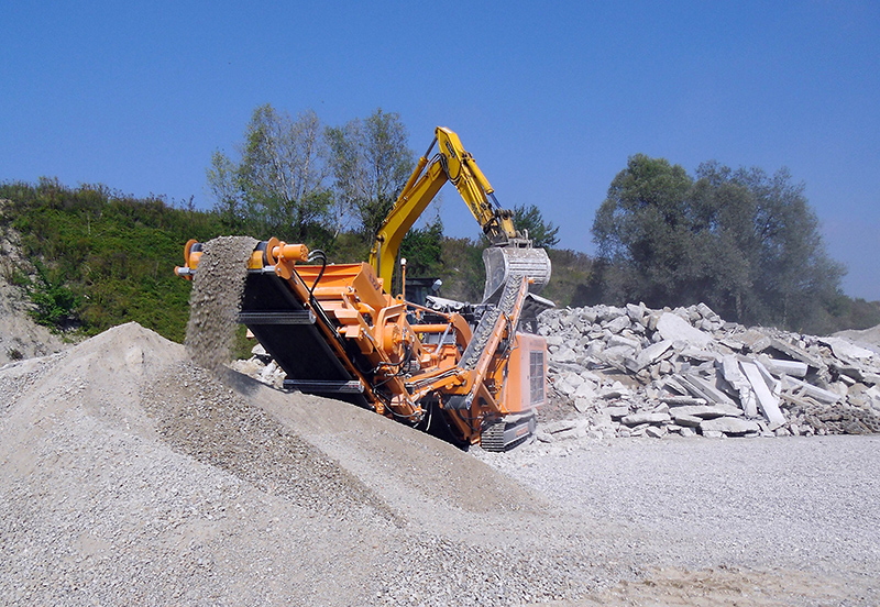 Recycling of Concrete with Impact Crusher R700S
